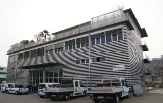 Das Gewerbehaus im Höderli 13a in Winterthur bietet Platz für unsere modern eingerichteter Werkstatt und Spenglerei, Lagerräume und Büros.