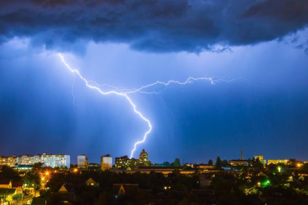 Blitzschutz Installation und Reparaturen durch Maillard Bedachungen Winterthur