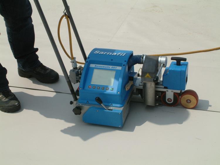 Rasche Verlegung durch thermische Verschweissung mittels Automat.