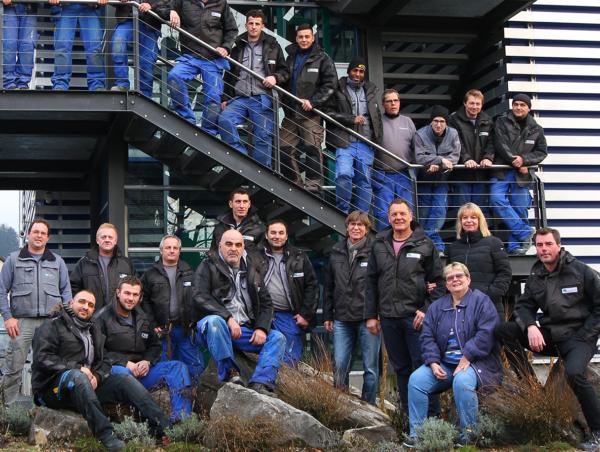 Das vierzigköpfige Team von Maillard Bedachungen Winterthur.